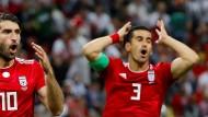 Mutiger Schritt: Der Iraner Ehsan Haj Safi (rechts) wechselt zu einem Israeli ins Team