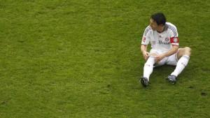 Bayern und Bayer verlieren - Schalke remis
