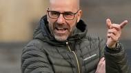 Leverkusen-Trainer Peter Bosz hält an seinem Stil fest.