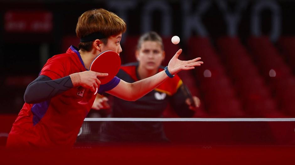 Petrissa Solja (hinten) im Match gegen Doo Hoi Kem: Knapp gescheitert