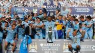 Gurppenbild mit großem Wert: Die Millionentruppe von Manchester City wird Meister - in der Nachspielzeit
