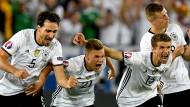 Der Moment des puren Glücks: Deutschland gewinnt im Elfmeterschießen.