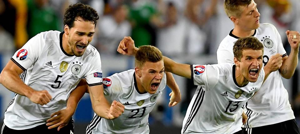 Sieg Gegen Italien Hector Schießt Deutschland Ins Em Halbfinale