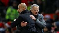 Duell der Alphatrainer: Guardiola und Mourinho im freundschaftlichen Ringen