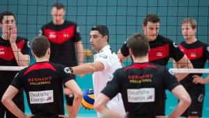 Volleyballer blamieren sich gegen Spanien