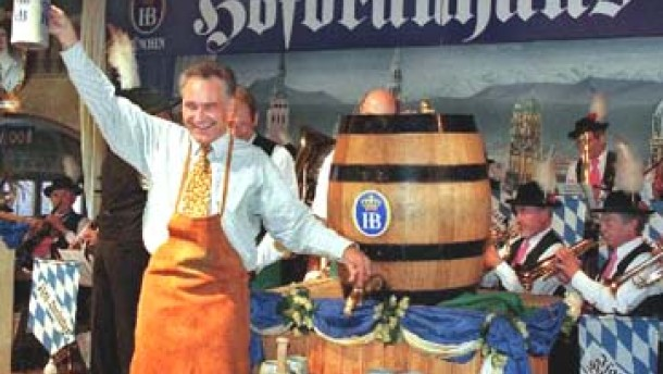 Englischer Humor: Bierglas ist größer als Paul Scholes
