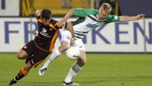Kaiserslautern siegt in Fürth, aber verliert die Tabellenspitze