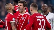 Steuerte zwei Tore und eine Vorlage zum FCB-Erfolg bei: Thomas Müller (Mitte).