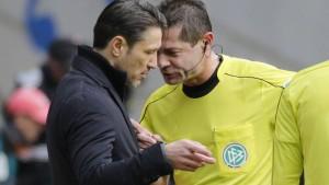 Frankfurt hadert mit dem Schiedsrichter