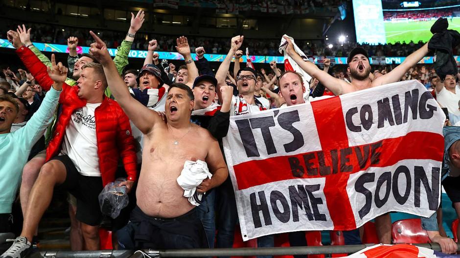 Stimmung auf fast vollen Rängen: Im Londoner Wembley Stadion wird auch das EM-Finale gespielt.
