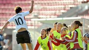 DFB-Frauen: Hoch gewonnen und lange gezittert
