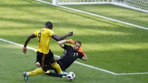 Belgien und England spielen Fußball auf dem Gaspedal