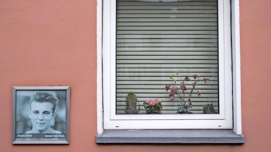 Foto von Stan Libuda an einer Hauswand auf der Schalker Meile.