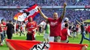1. FC Köln steigt auf - Kaiserslautern am Abgrund