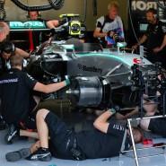 Viel zu tun: Nico Rosbergs Auto wird wieder fit gemacht