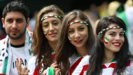 Bei der Fußball-Weltmeisterschaft in Brasilien durften Frauen aus Iran ins Stadion, in ihrer Heimat dürfen sie das nicht