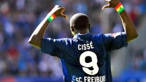 Cissés Doppelpack bringt Freiburg den Sieg