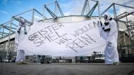 Beim bislang einzige Geisterspiel in Mönchengladbach hatten nicht alle Fans Verständnis für die Aussperrung.