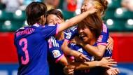 Spätes Glück für Weltmeister Japan