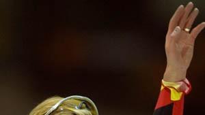 Seriensiegerin Pechstein - Friesinger fährt hinterher