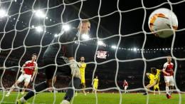 Arsenal und Chelsea im Achtelfinale