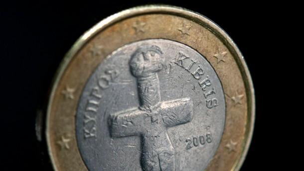 Die Grünen fordern im Gegenzug für die Hilfen Änderungen in Zypern