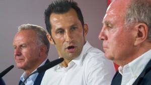 FC Bayern greift Löw scharf an