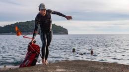 Jonas Deichmann schwimmt 450 Kilometer weit