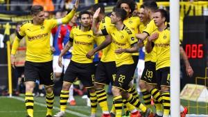 Dortmund wahrt mit Ach und Krach die Titelchance