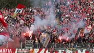 Es brennt lichterloh bei Mainz 05: Fans in Darmstadt