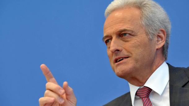 Ramsauer für Entlassung von Berliner Flughafenchef