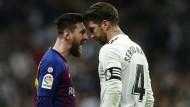 Duell verschoben: Lionel Messi (links) und Sergio Ramos begegnen sich erst im Dezember.