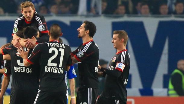 Leverkusen und Leipzig entkommen dem Abgrund