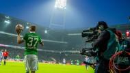 Auch in Zukunft sind ARD und ZDF bei der Fußball-Bundesliga nah dran.