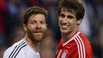Bald Kollegen in München: Xabi Alonso (links) kommt von Real Madrid zum Bayern Javier Martinez