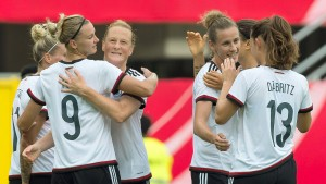 Fußballfrauen bescheren Neid zweistelligen Abschied