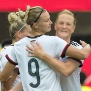 Torfestival in Paderborn: Die deutschen Fußballfrauen siegen 11:0.