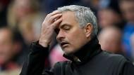 José Mourinho muss mit Manchester United die erste Saisonniederlage einstecken.