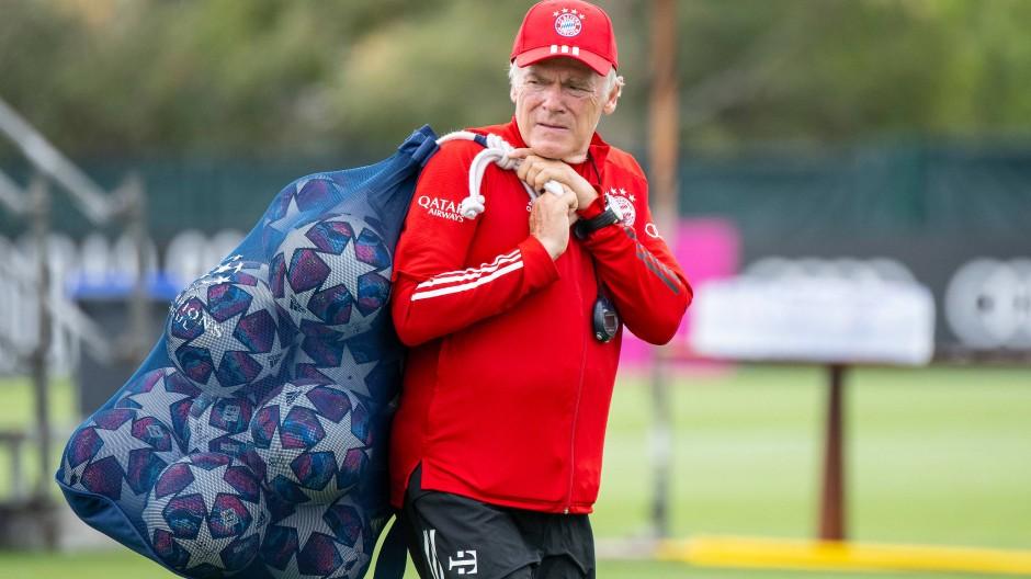 Hat sein Päckchen geschnürt: Hermann Gerland verlässt den FC Bayern