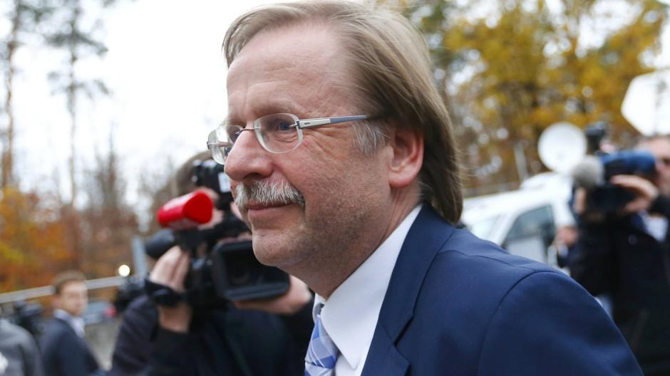 Klare Ansagen: DFB-Vize Rainer Koch positioniert sich als Aufklärer
