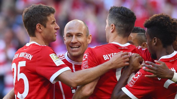 Bayern mit Heynckes wieder leicht und locker