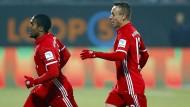 Der bayrischer Erlöser aus Brasilien: Costa (links) traf spät zum 1:0.