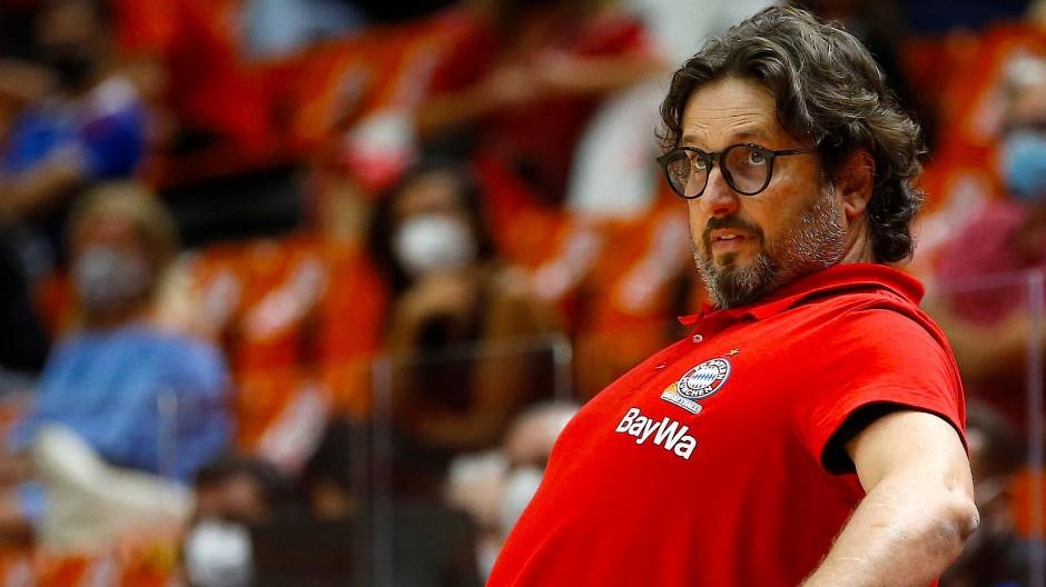 Alles im Blick: Bayern Münchens Basketball-Trainer Andrea Trinchieri