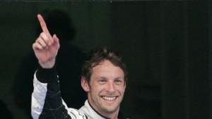 Vettel brilliert - und wird nach hinten versetzt