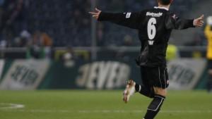 Frankfurt gewinnt, Dortmund enttäuscht, Hoffenheim führt