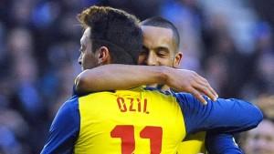 Özil schießt Arsenal in die nächste Runde
