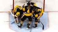 Die Penguins halten zusamen und gewinnen auch das zweite Spiel.