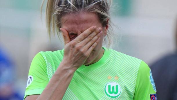 Die Fußballfrauen aus Wolfsburg scheitern krachend
