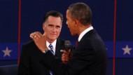 Diesmal durften sich die Duellanten näher kommen - und Obama machte dabei einen kampfeslustigen Eindruck
