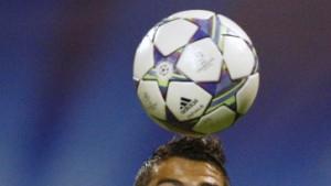 Madrider Sieg - Unentschiedene Manchester-Klubs